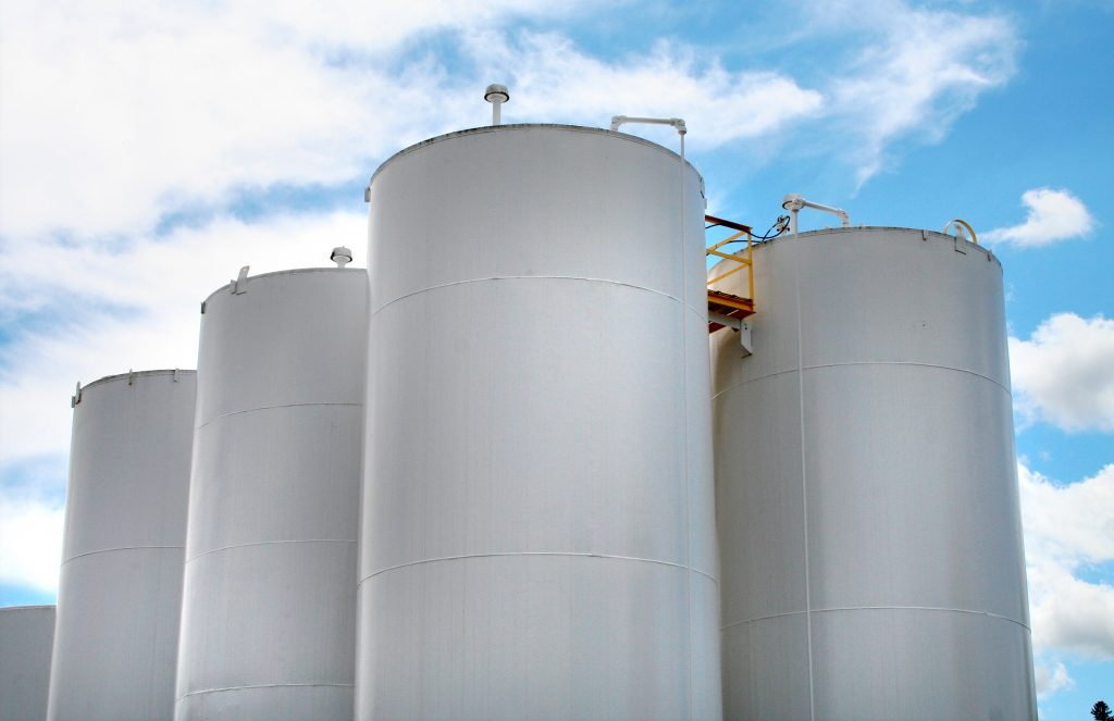 Plastic Fuel Tank >> 7 Types of Industrial Storage Tanks Explained - GSC Tanks